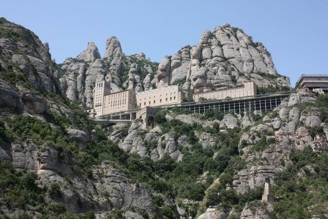 Santa Cova вид на монастырь
