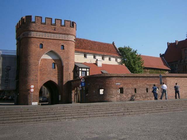 Крепостные стены и башни Торуни