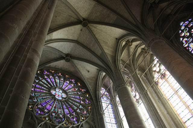 Каркассон мозаика и своды базилики