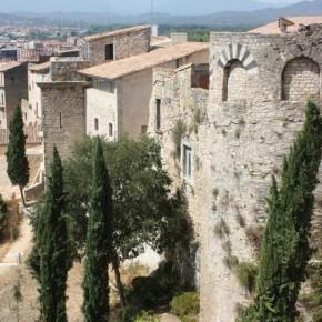 Жирона — прогулка по крепостным стенам