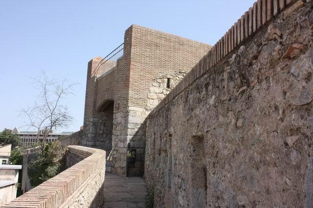 Жирона башня крепостная стена