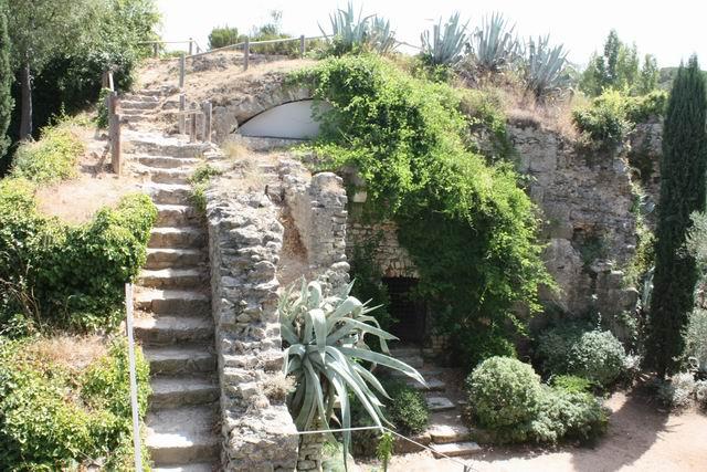 Жирона крепостная стена оазис
