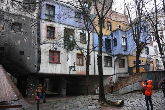 Дом Хундертвассера фото фасада