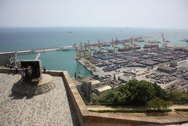 Монжуик вид на порт Барселоны