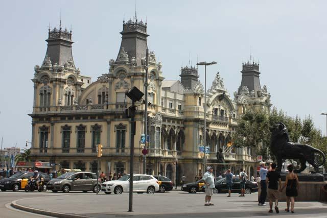 Барселона порт памятник колумбу
