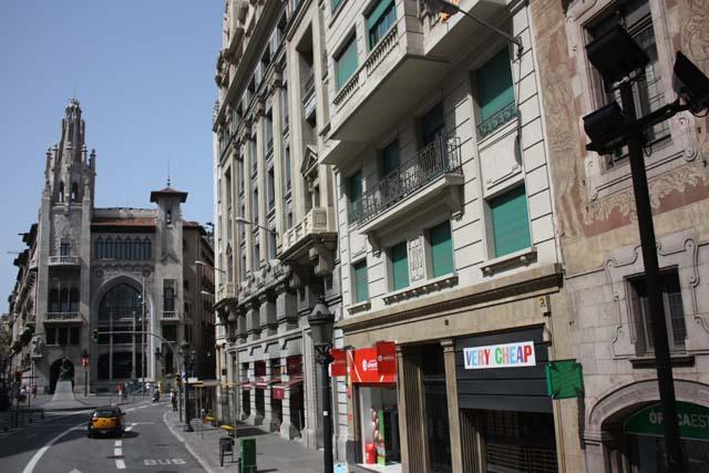 Бас Туристик улица Барселоны