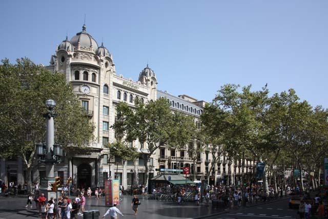 Барселона перекресток Рамбла и Площадь Каталонии