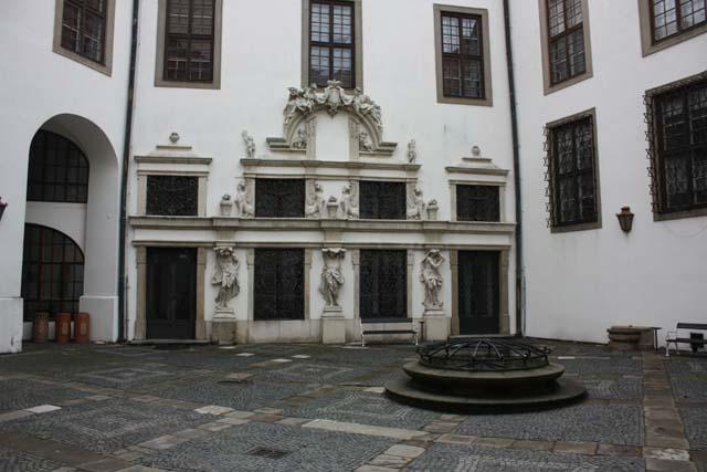 Микулов внутренний дворик замка Дитрихштейнов