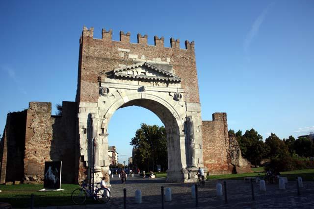 Римини арка Августа