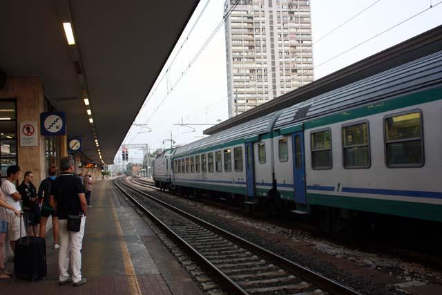 Римини железнодорожный вокзал