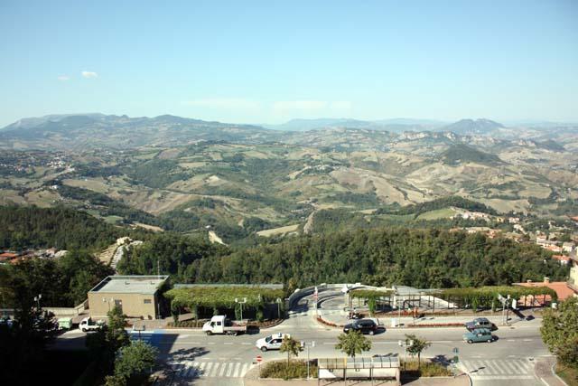 Сан-Марино вид на паркинг