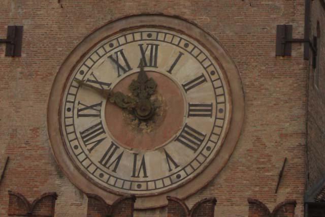 Болонья часы Пьяцца Маджоре