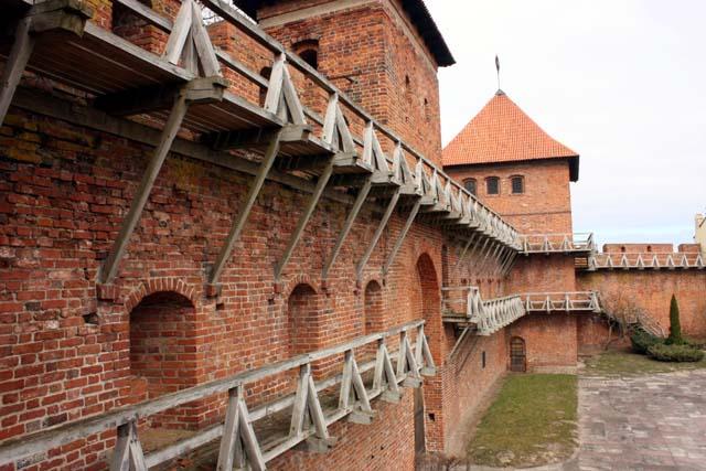 Крепостная стена и башня Коперника во Фромборке