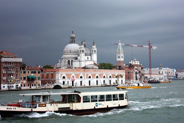 вид с катера на Венецию