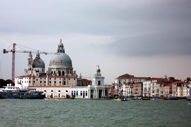 Венеция - здания и соборы на набережной