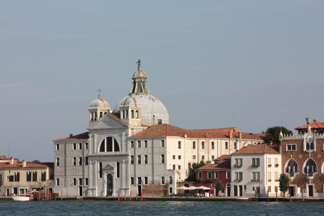 Венецианская архитектура - вид с воды