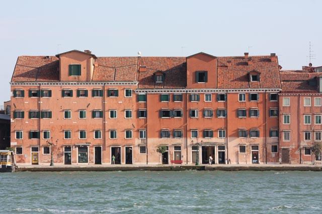Венеция - склады на берегу