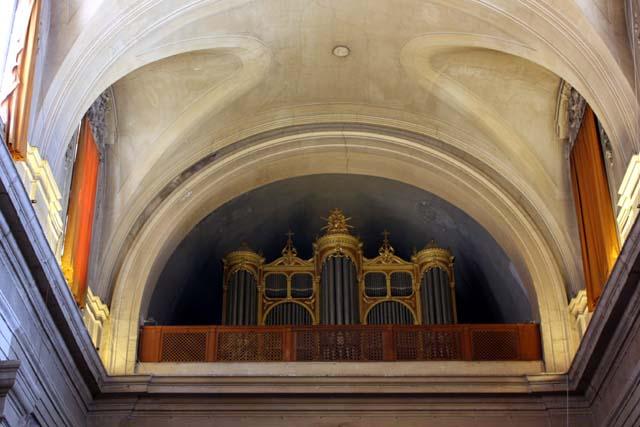 Орган Церкви Санта-Тринита-деи-Монти