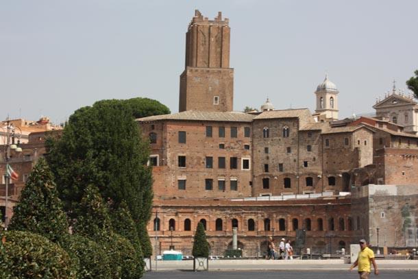вид на императорский форум Рима