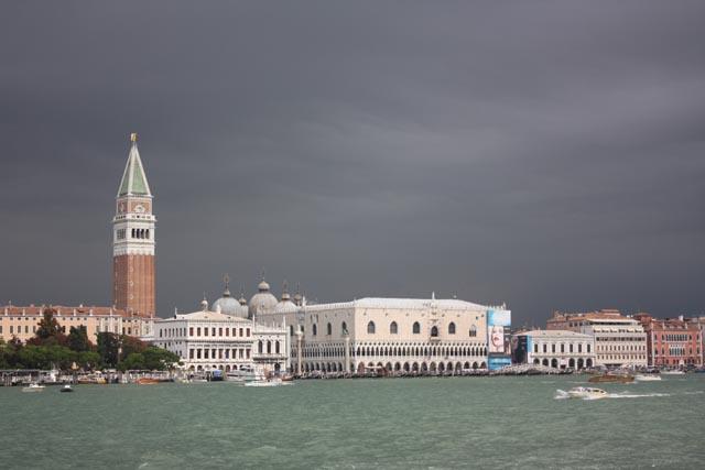 Венеция - вид на Дворец Дожей и колокольню