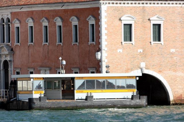 Станция вапорето в венеции