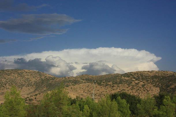 облако над горами