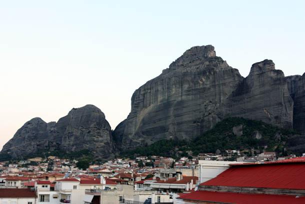 Каламбака - вид на горы с крыши отеля