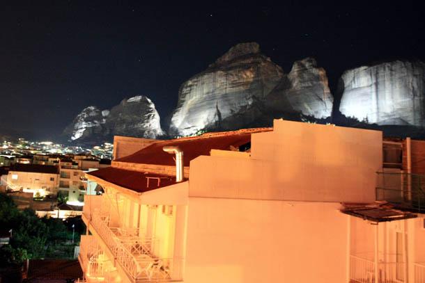 Каламбака - ночной вид на метеоры