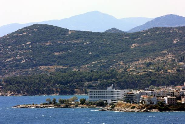 Кавала - отель Lucy 5* на фоне гор