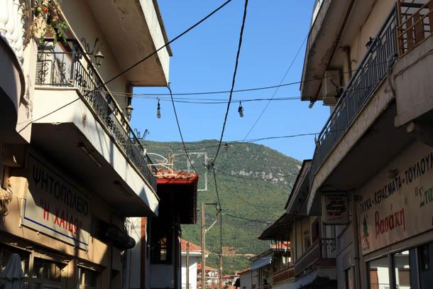 Никисьяни вид на Пангео и крыши домов