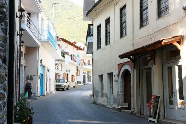 греческая деревня у горы Пангео