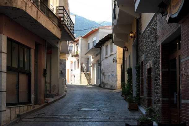 Никисьяни прогулка в тени улиц