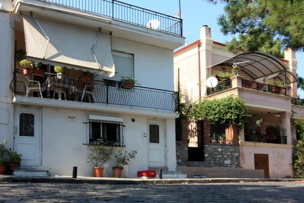 Ксанти - белые балконы