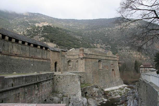 Вильфранш-де-Конфлан и форт Либерия