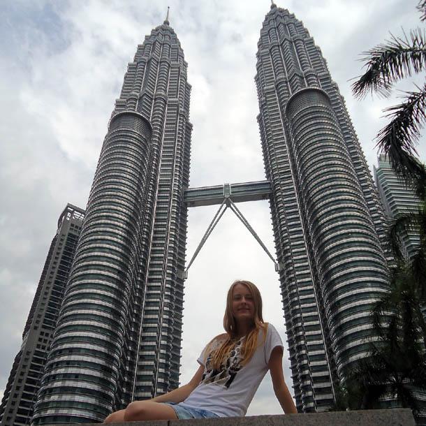 Башни Петронас символ столицы Малайзии