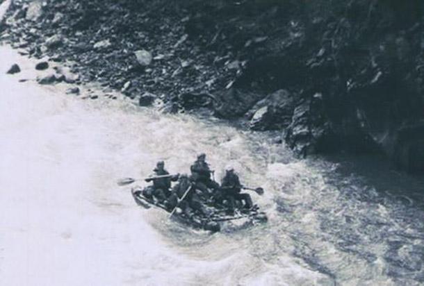 В каньоне Орха-Бом