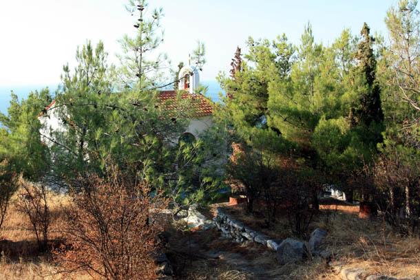 Греция - церковь в горах