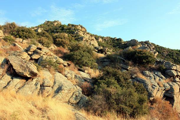 Кавала - крест на вершине горы