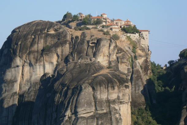 Метеоры - монастырь на вершине скалы