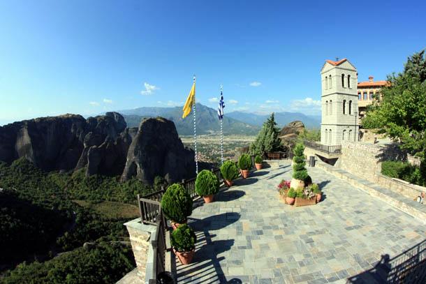 Варлаам - панорама смотровой площадки и окрестных гор