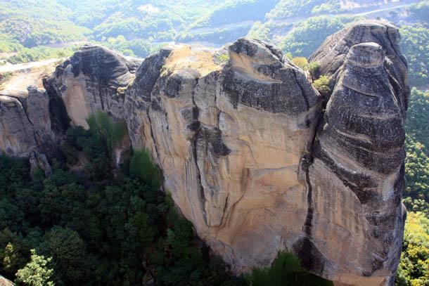 Метеоры - горы в форме столбов