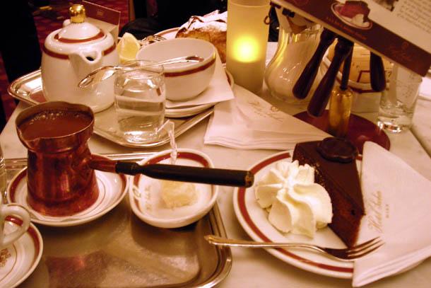 Coffee time в знаменитом Sacher Hotel