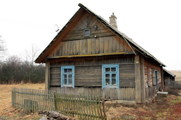 фасад дома в деревне