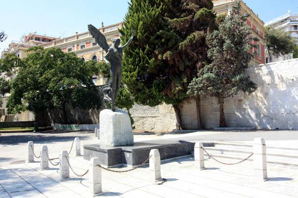 Кавала статуя Ники
