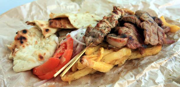 греческое мясо с картошкой с лавашом