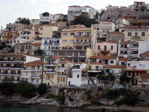 Панагия - дома на скале
