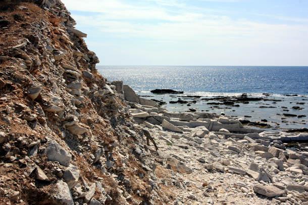 Каменистое побережье на Тасосе