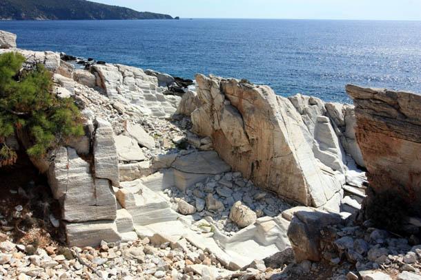 остатки мраморных каменоломен на Тасосе в Греции