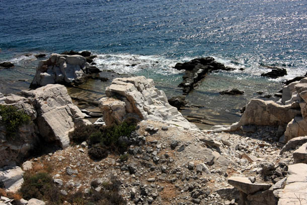 побережье в солнечный день