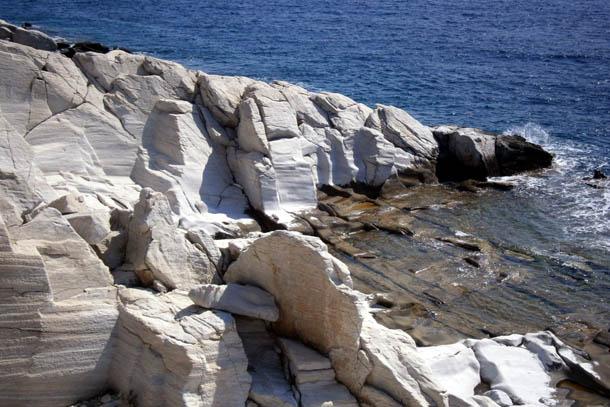 Скалы из мрамора